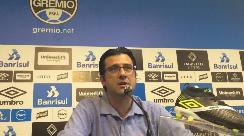 Grêmio confirma lesão do atacante Luan