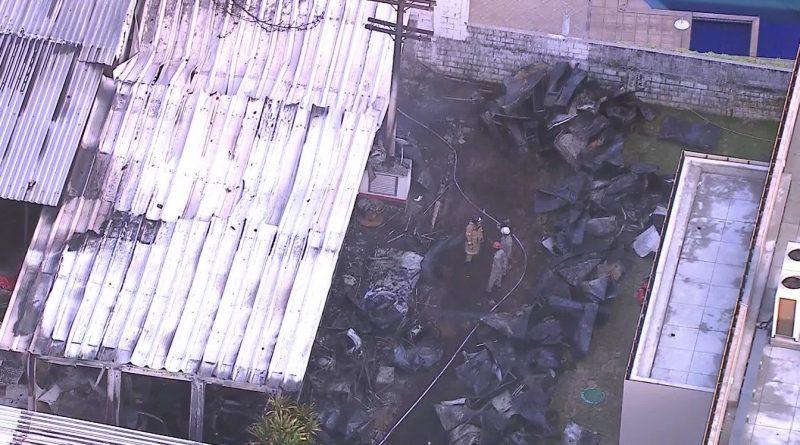 Ainda não foram identificadas as causas do incêndio. (Foto: Reprodução TV)