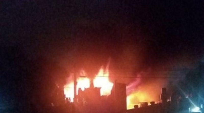 Incêndio atinge pavilhão da empresa Taurus, em São Leopoldo