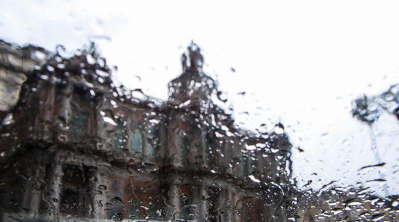 Alerta de chuva forte nesta sexta e chegada das temperaturas mais baixas do ano
