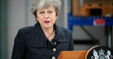 Theresa May renuncia ao cargo de primeira-ministra do Reino Unido