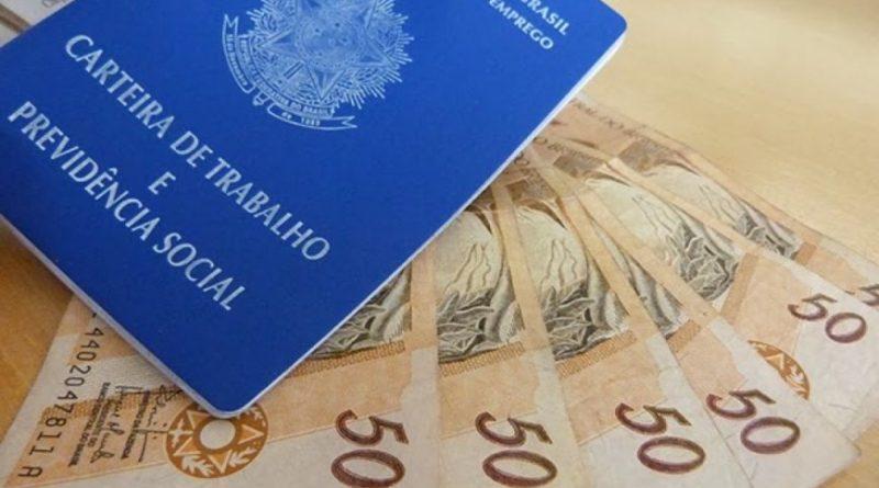 Governo federal analisa retirar reajuste do salário mínimo da Constituição