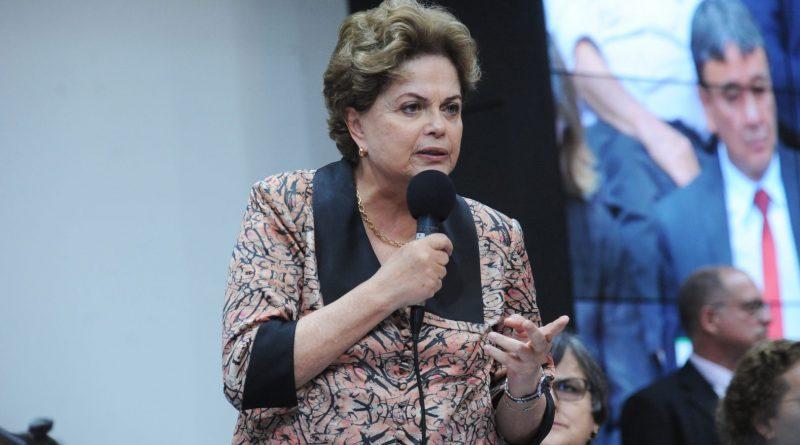 """Ideia de Macron de internacionalizar Amazônia é absurda"", afirma Dilma"