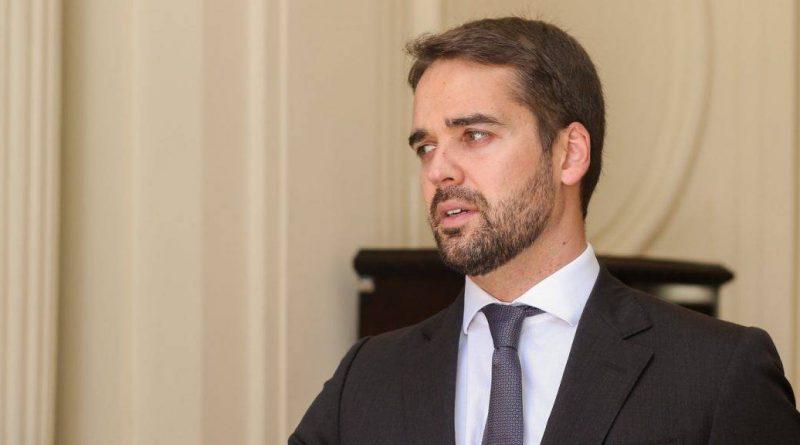 Governador gaúcho conversa com deputados sobre pacote de medidas enviado à Assembleia
